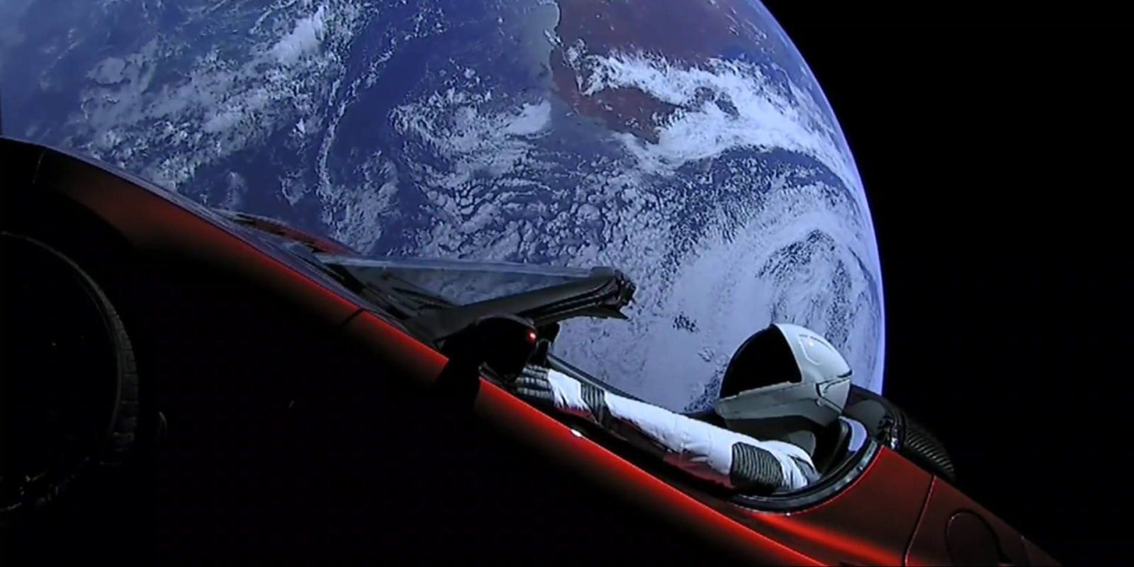 Starman. La Tesla di Space X lanciata nello spazio.